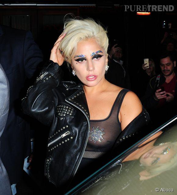 Lady Gaga toujours très sexy dévoile son anatomie sur Instagram.
