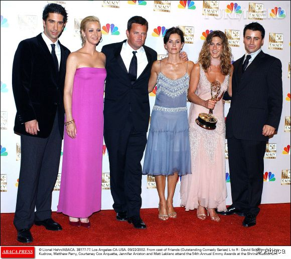 "Le casting de ""Friends"" au grand complet lors des Emmy Awards 2002."