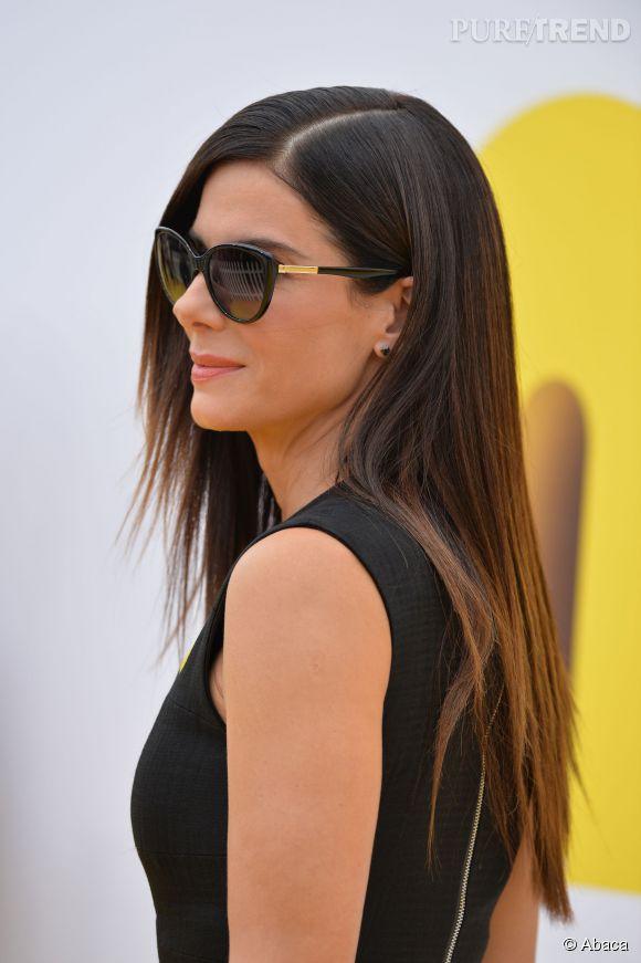 """Sandra Bullock et ses lunettes rétro à la première des """"Minions"""" à Los Angeles le 24 juin 2015."""