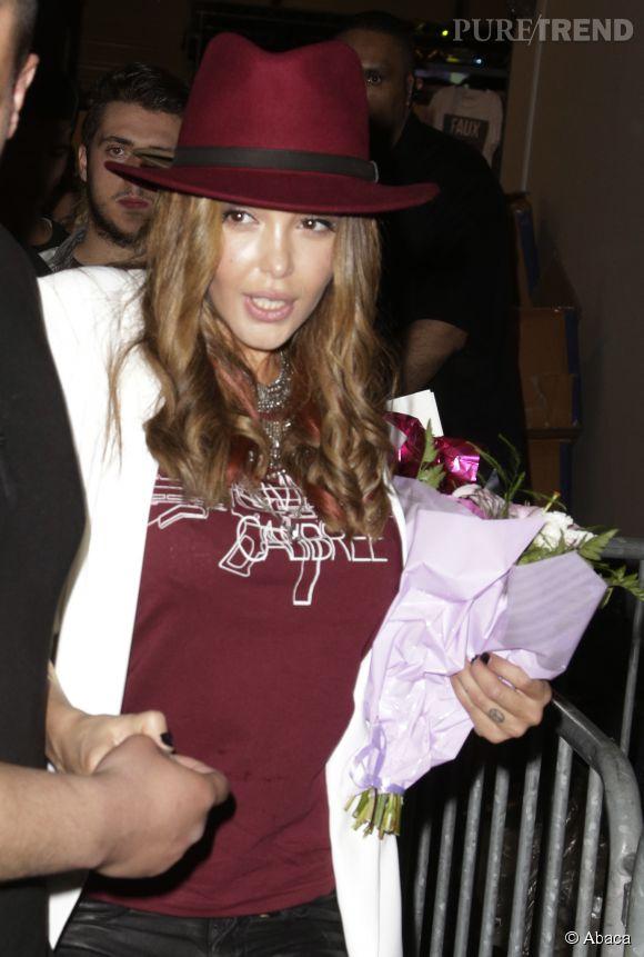 Nabilla Benattia sur les traces de Kim Kardashian. Du moins, elle essaie.