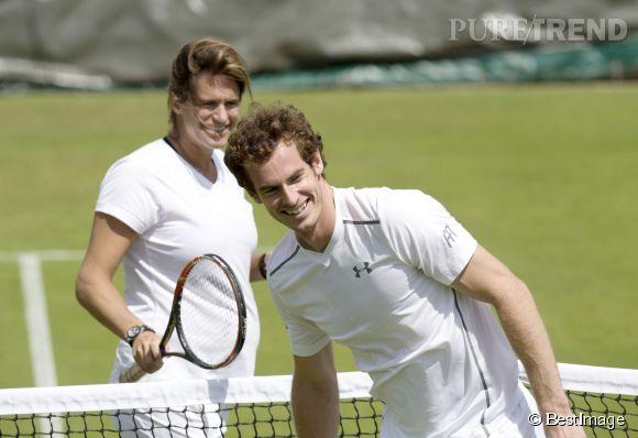 Enceinte de sept mois, Amélie Mauresmo continue d'entraîner Andy Murray comme si de rien n'était.