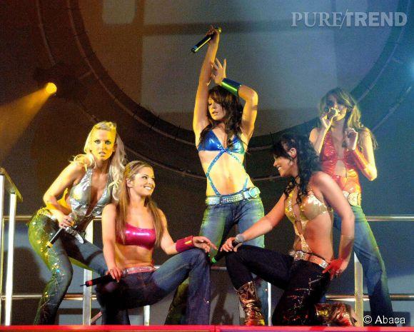 Sur scène en 2005, place à des tenues kitschs, mi-cowgirl, mi-stripteaseuses.