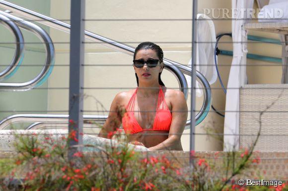 Eva Longoria profite et prends du bon temps entre deux tournages.
