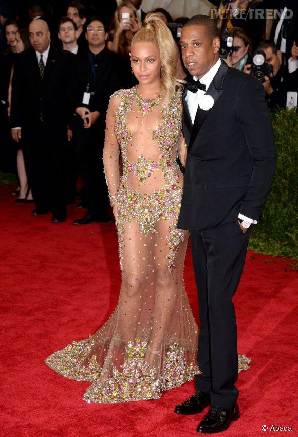 Beyoncé et Jay-Z sont ensemble depuis 2003. Couple star du show-business, la chanteuse et le rappeur font tout ensemble. Ils sont les parents d'une fillette, Blue Ivy, née en 2012.