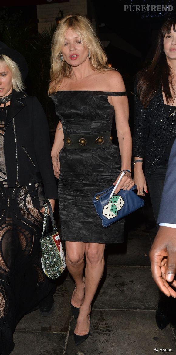 Kate Moss pose pour la marque de cosmétiques japonaise Cosme Decorté.