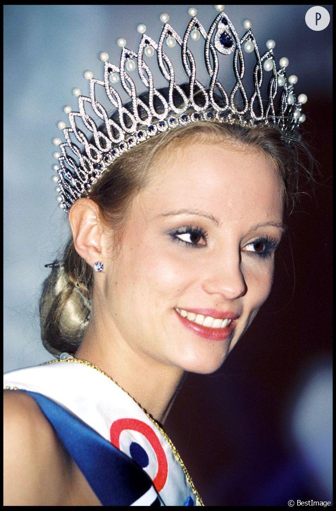 Elodie gossuin le soir de son couronnement le mascara semble avoir un peu coul - Miss france elodie gossuin ...