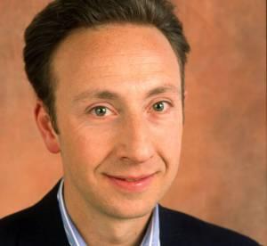 Stéphane Bern : du brushing aux bouclettes, son évolution capillaire en images