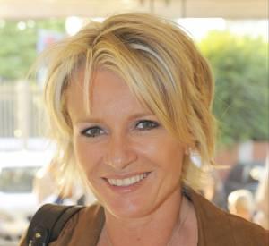 Sophie Davant partage le souvenir de son premier amour dans une interview donnée à Télé Loisirs.