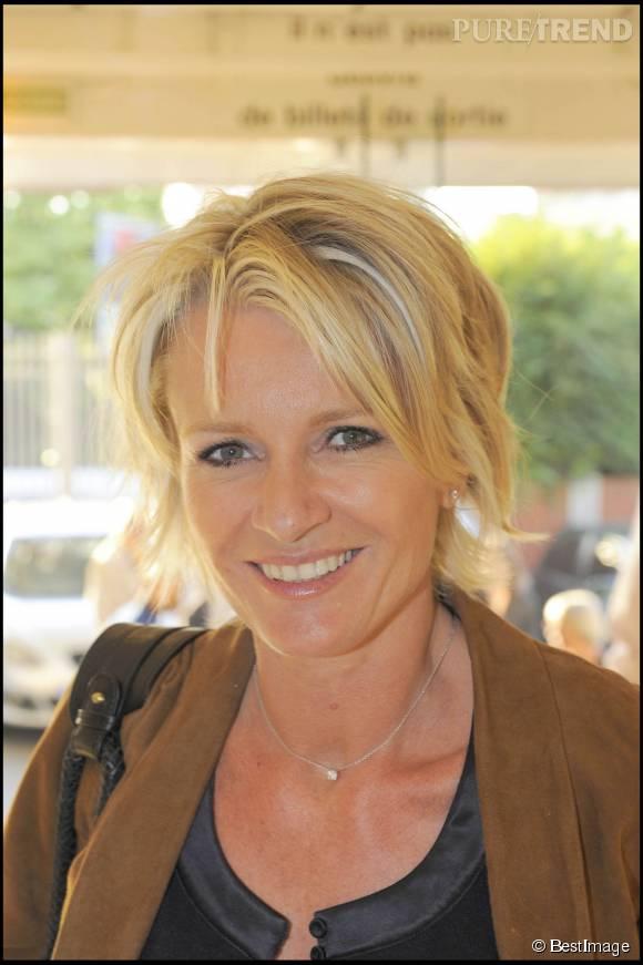 Sophie Davant partage le souvenir de son premier amour dans une interview donnée à  Télé Loisirs .