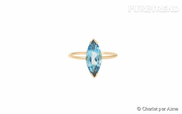 """Charlet par Aime    Bague """"Gaby"""" grand modèle en or et topaze blue London, 720€."""