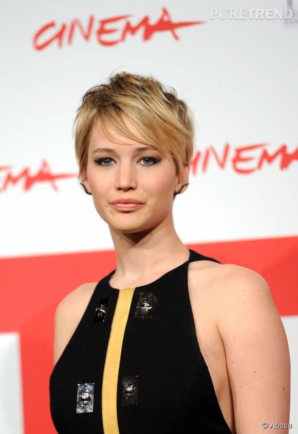 Cheveux longs ou courts, Jennifer Lawrence est toujours aussi rayonnante.