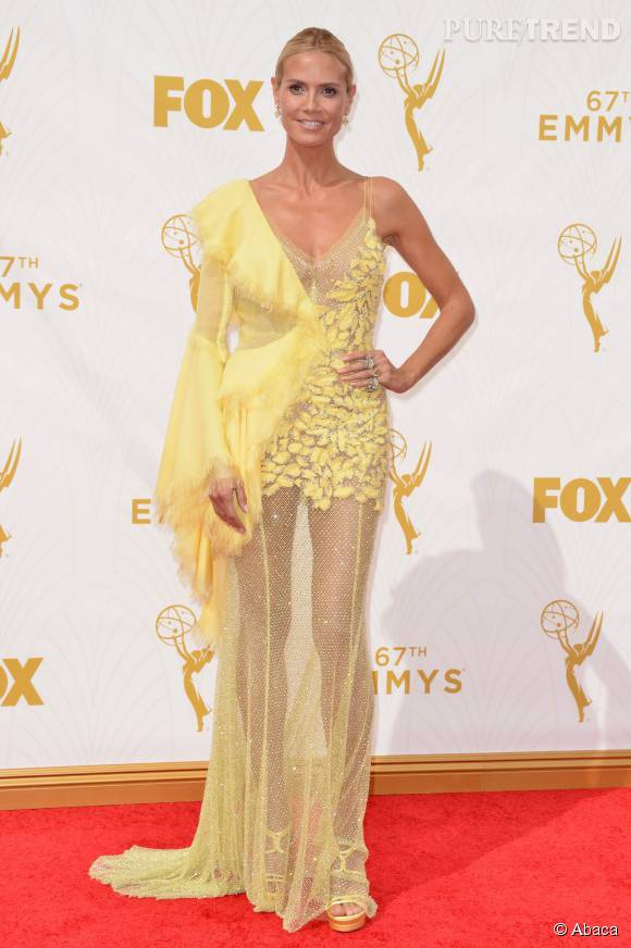 Top    Heidi Klum solaire et sexy en Atelier Versace.