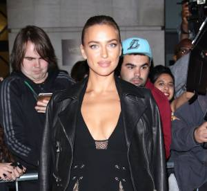 Irina Shayk : ultra sexy au défilé Versus Versace à Londres