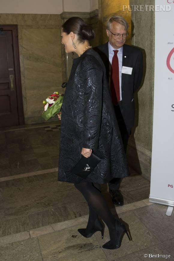 Victoria de Suède n'a que 38 ans et look un peu trop plan-plan pour son âge.
