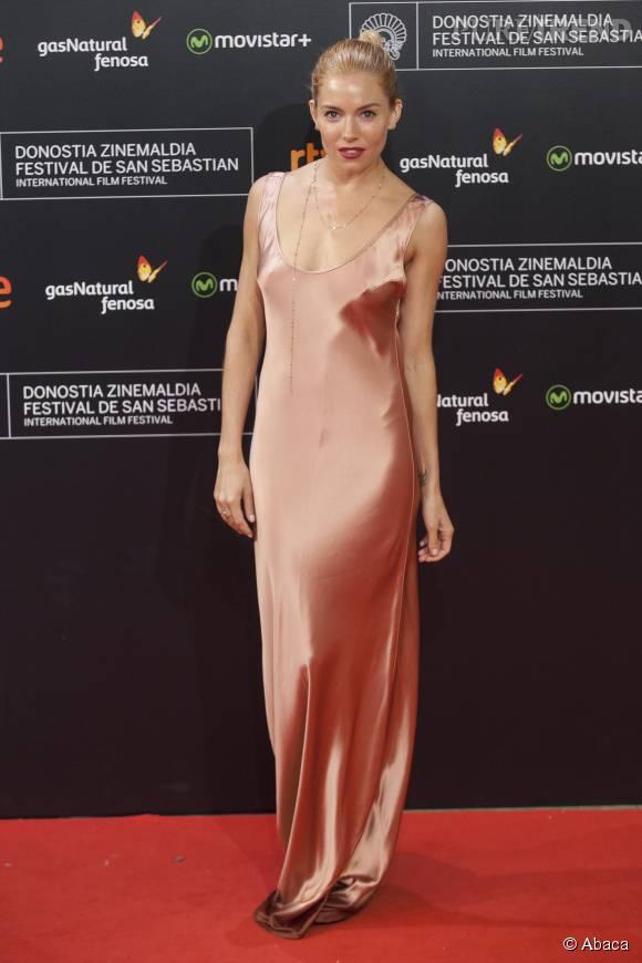 Sienna Miller a foulé le tapis rouge du Festival international du film de San Sebastian.