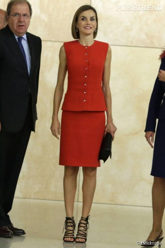 La reine Letizia d'Espagne a rangé ses tailleurs de mémé.