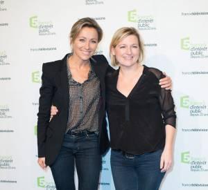 """Anne-Sophie Lapix et Anne-Elisabeth Lemoine, son acolyte dans l'émission """"C à vous"""" sur France 5."""