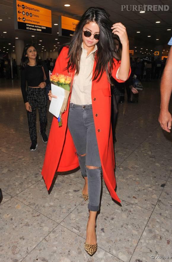 Si Selena Gomez est arrivée en jean à Londres le 20 septembre 2015, elle l'a vite mis au placard pour dévoiler ses gambettes.