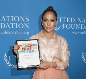 Jennifer Lopez : amoureuse et engagée au bras de son petit ami Casper