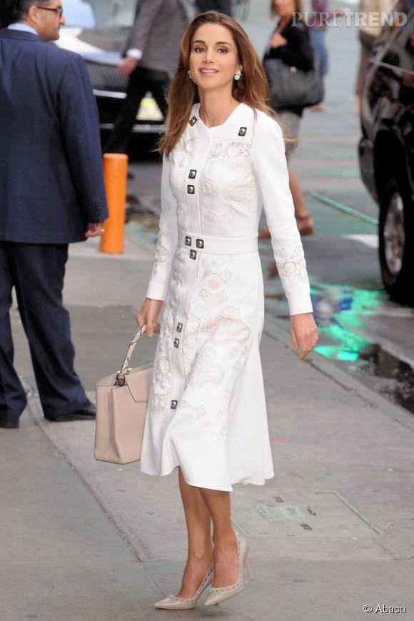 """Rania de Jordanie, très chic pour se rendre sur le plateau de """"Good Morning America"""", lundi à New York."""