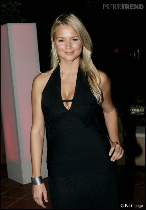 Virginie Efira : un décolleté sexy mais pas vulgaire à l'inauguration du Monte Carlo Bay en 2005.