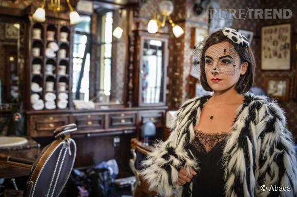 Alizée transformée en Cruella d'Enfer sexy à Disneyland Paris.