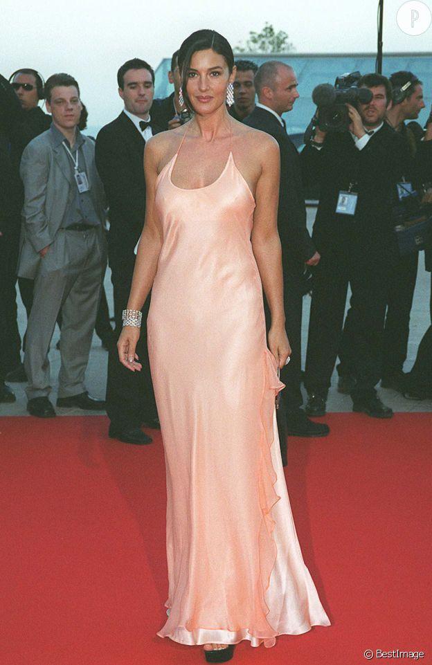 Monica Bellucci toute nude à Monte-Carlo en 2001.