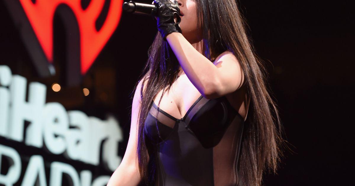 Selena Gomez Sexy Scene 81