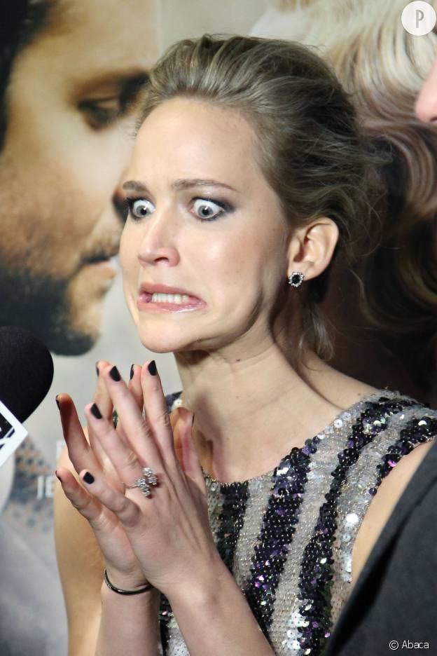 Jennifer Lawrence a vu une araignée... ou un gâteau qu'elle a très envie de manger.