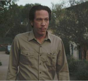 Samson Cazalet (Reda Kateb) est une chauffeur de taxi plutôt sympa.