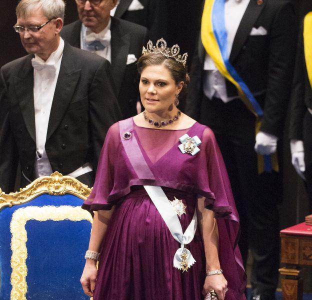 La princesse Victoria de Suède à la cérémonie du Prix Nobel à Stockholm le 10 décembre 2015.