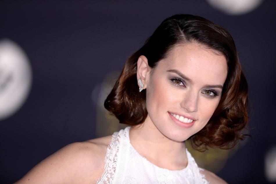 Daisy Ridley  7 choses à savoir sur la bombe de Star Wars Le Réveil de la  Force