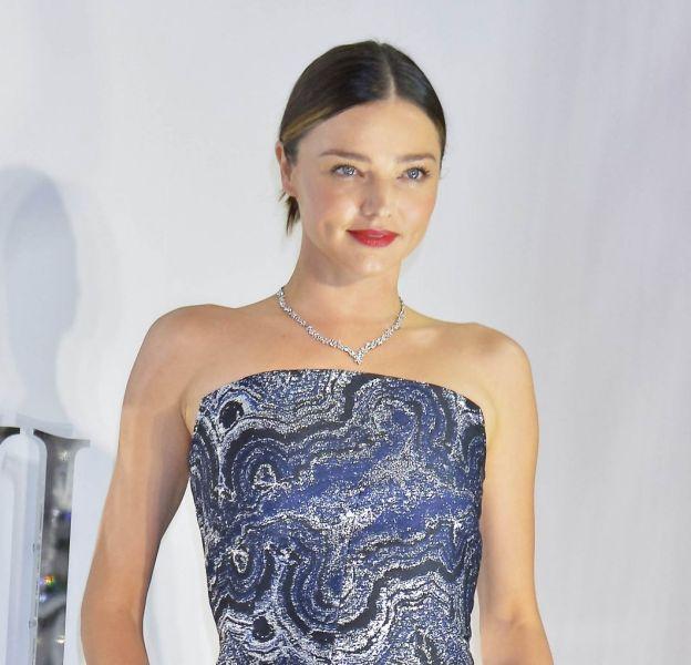 Miranda Kerr, absolument sublime et sexy dans sa robe bustier Osman.