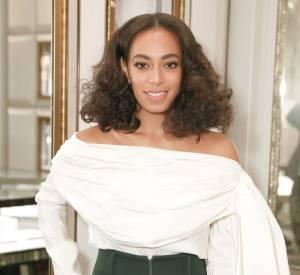 Solange Knowles opte pour une tenue vintage réussie.