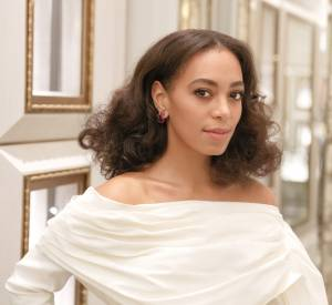 "Solange Knowles, radieuse à la soirée d'inauguration ""The Bergdorf Goodman x Gemfield Jewelry""."