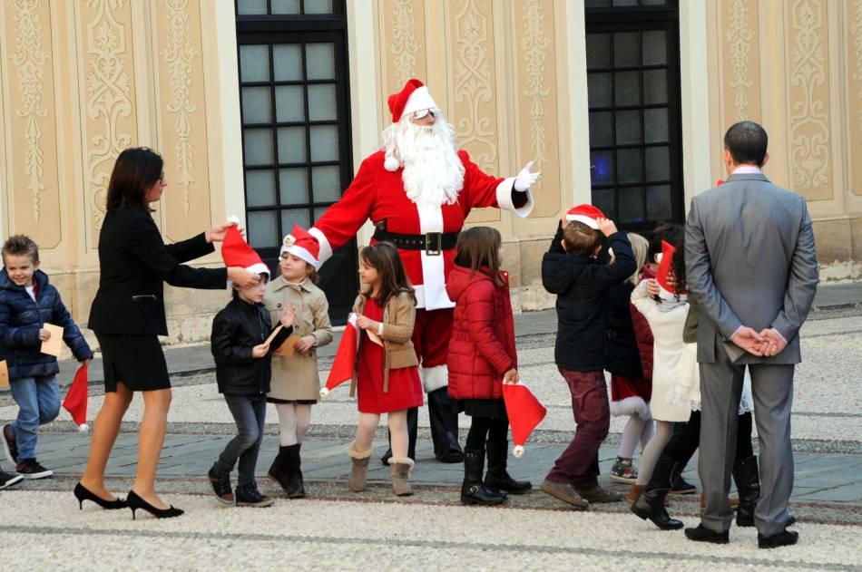 Le  Père Noël avait spécialement fait le déplacement ce mercredi 16 décembre 2015.