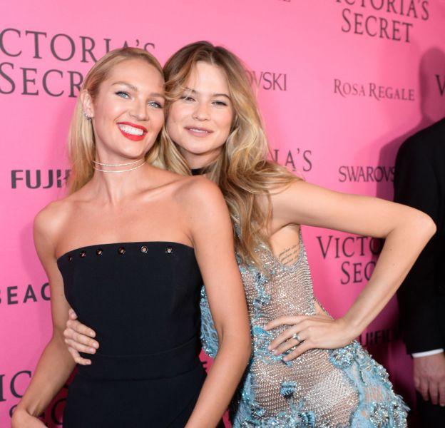 Behati Prinsloo et Candice Swanepoel succombent aux charmes d'un nouvel Ange Victoria's Secret.