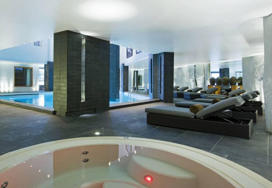 piscine jaccuzzi sauna hammam le spa invite ses