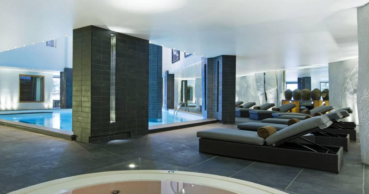 Piscine jaccuzzi sauna hammam le spa invite ses clients for Piscine hammam sauna