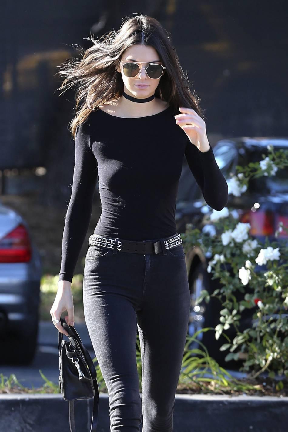 Quant à Kendall Jenner, elle reste le modèle d'élégance de la famille.
