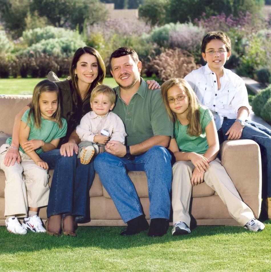 La famille royale de Jordanie et leur carte de voeux pour 2007 - Puretrend