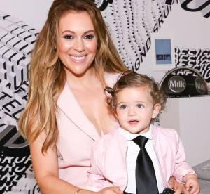 Alyssa Milano : Selfie allaitement avec sa petite fille de 16 mois