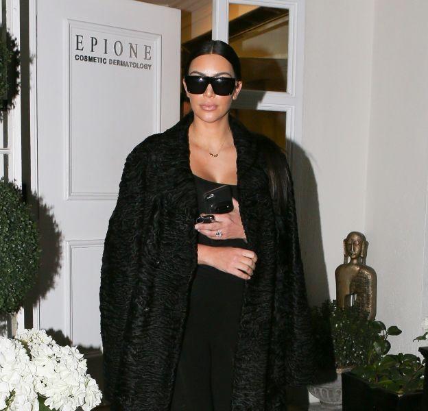 Kim Kardashian complètment nue sur la Toile.