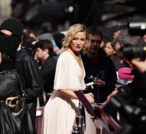 Kate Hudson, vestale très très décolletée à Londres