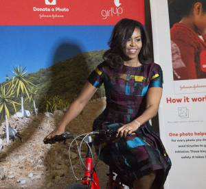 Michelle Obama : en petite robe et sur son vélo pour la bonne cause !