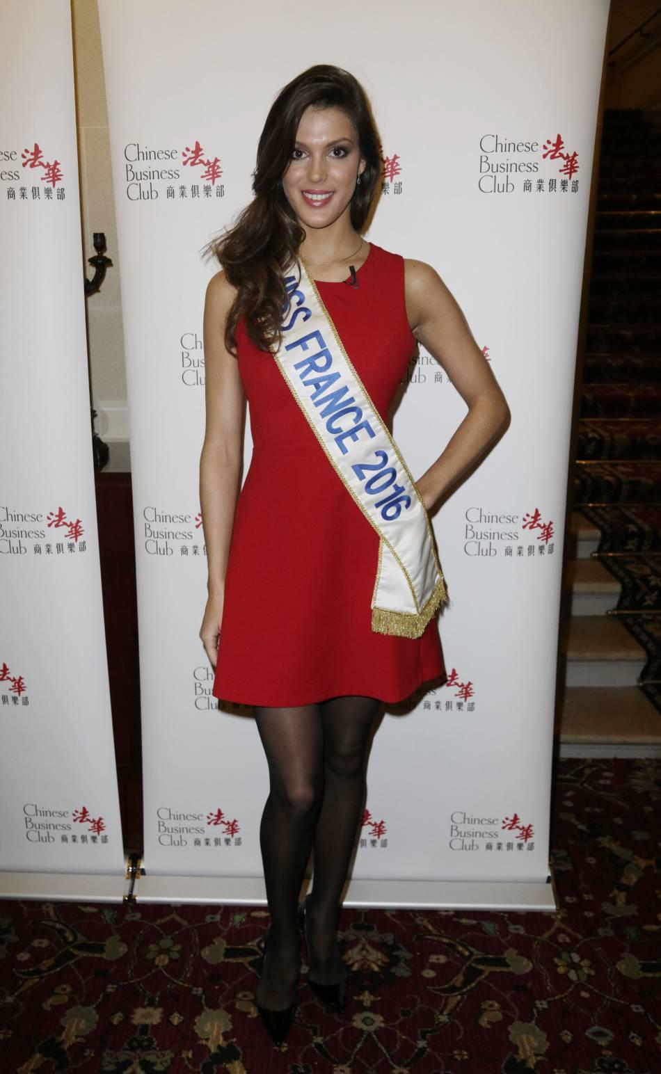 0b4bb614029 Miss France mise sur une robe rouge