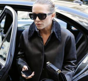 Mary-Kate Olsen porte désormais une bague Cartier à l'annulaire gauche.