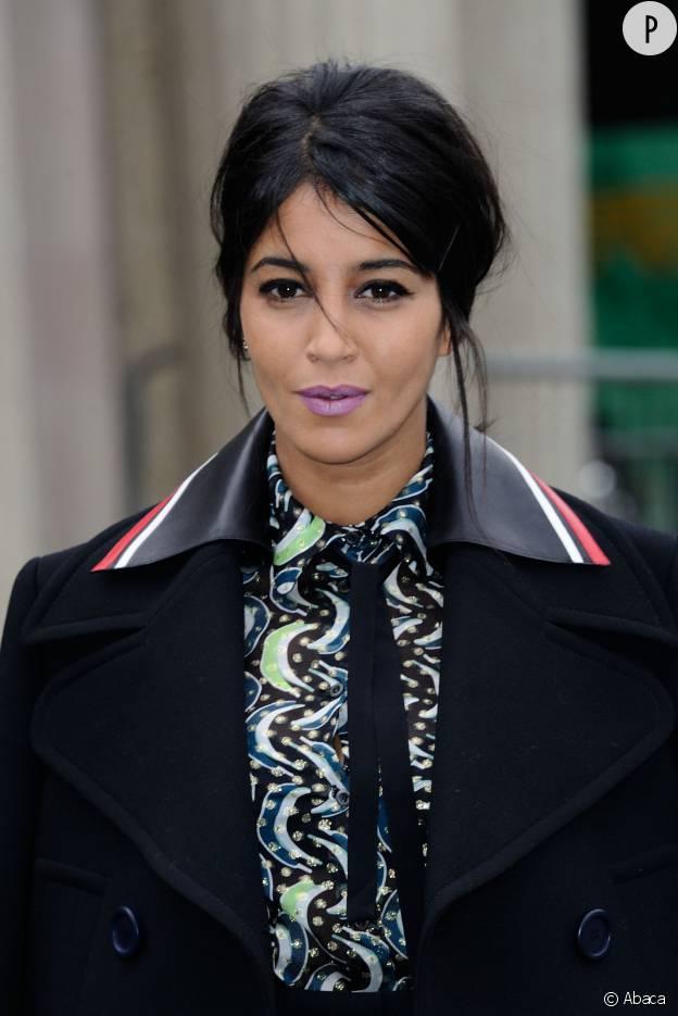 Leïla Bekhti opte pour une mise en beauté originale et parfaite.