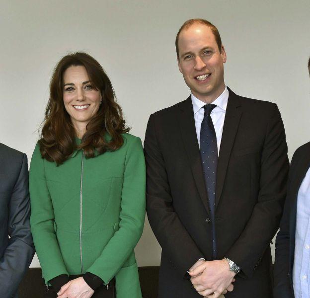 Kate Middleton et le prince William rencontre Jonny Benjamin et Neil Laybourn à l'hôpital St Thomas de Londres.