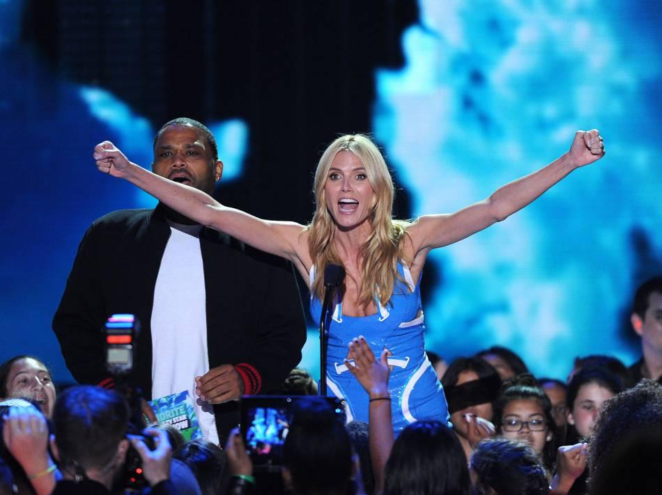 Heidi Klum était très en forme pour les Kid's Choice Awards, samedi.